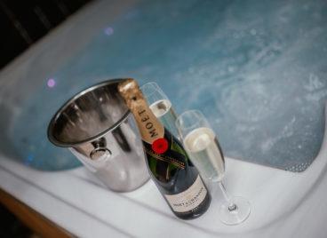 Deluxe családi lakosztály – pezsgőfürdővel